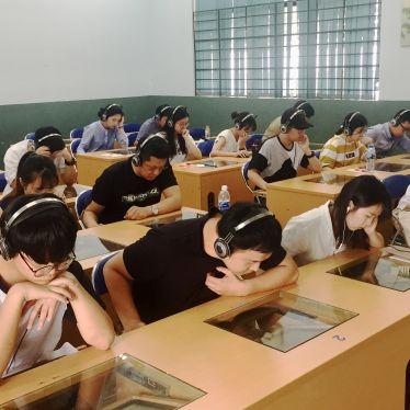 Tuyển sinh đại học hình thức đào tạo từ xa qua mạng ngành Việt Nam học