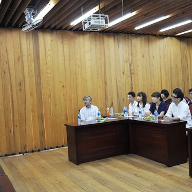 Tiếp đón đoàn Đại học Ngoại ngữ Tokyo, Nhật Bản